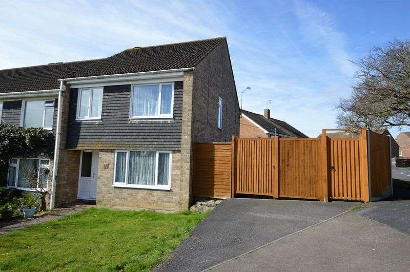 3 Bedrooms Terraced House for sale in Marlborough Close, Waterlooville
