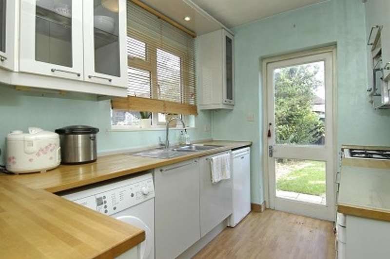 3 Bedrooms Semi Detached House for sale in Kingsmead Avenue, Surbiton