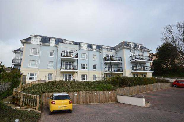2 Bedrooms Flat for sale in Kiniver Court, New Road, Teignmouth, Devon