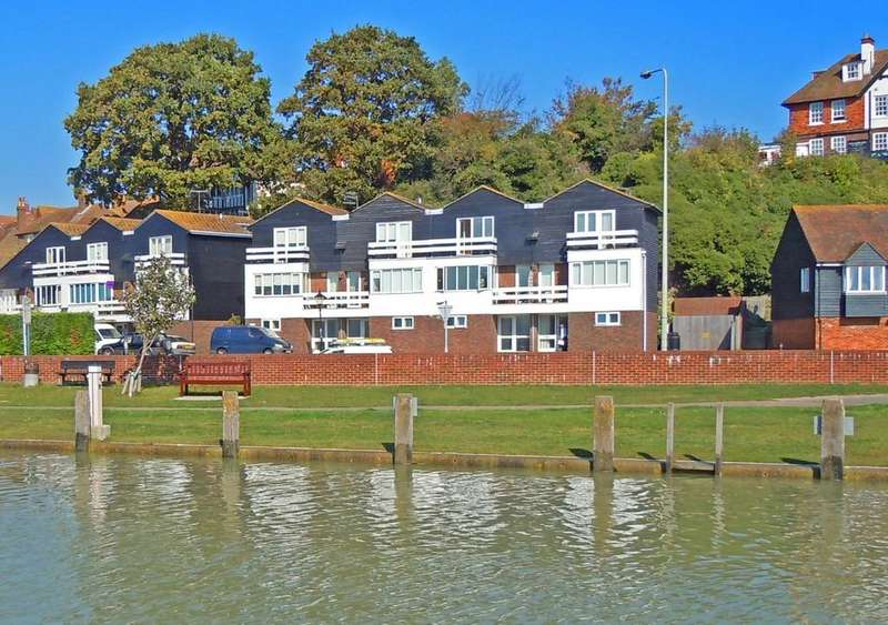 3 Bedrooms Town House for sale in The Strand, Rye, East Sussex TN31 7DB