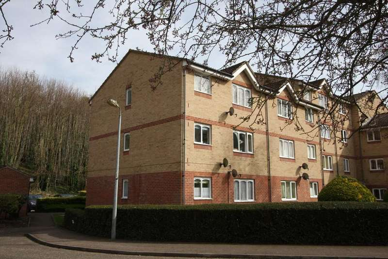 2 Bedrooms Flat for sale in Lucas Road, Sudbury