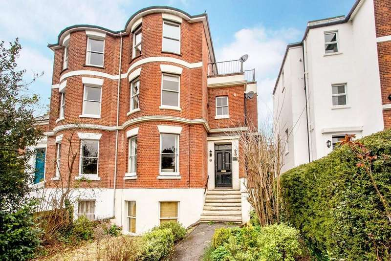 2 Bedrooms Apartment Flat for sale in St. Cross Road, Winchester, SO23