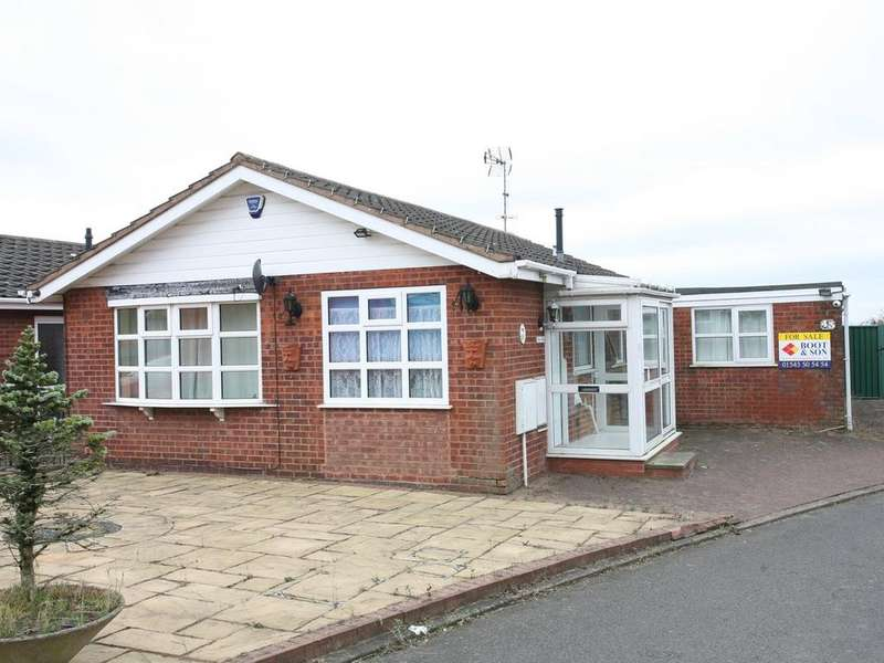 2 Bedrooms Detached Bungalow for sale in 43 Huntsmans Rise, Huntington, WS12 4PH