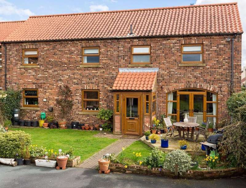 4 Bedrooms Detached House for sale in Main Street, Hessay, York