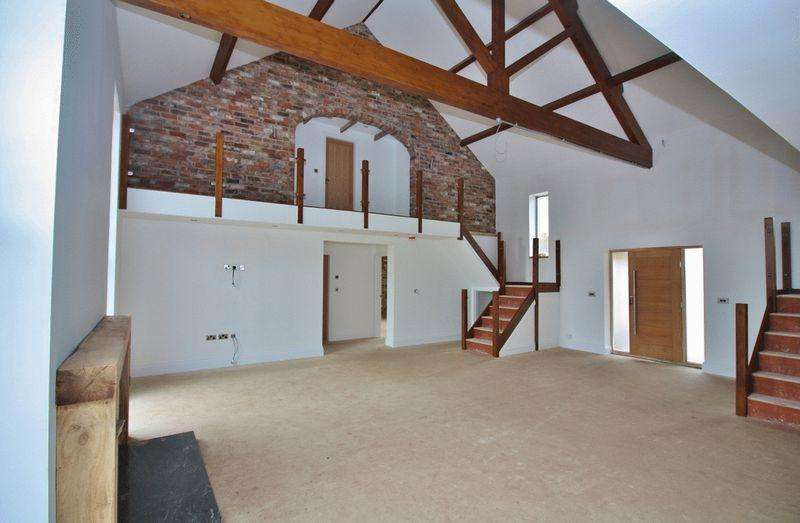 4 Bedrooms Detached House for sale in Gallops View, Long Riston