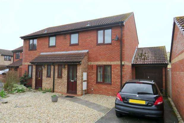 3 Bedrooms Semi Detached House for sale in Redlake Drive, Taunton TA1