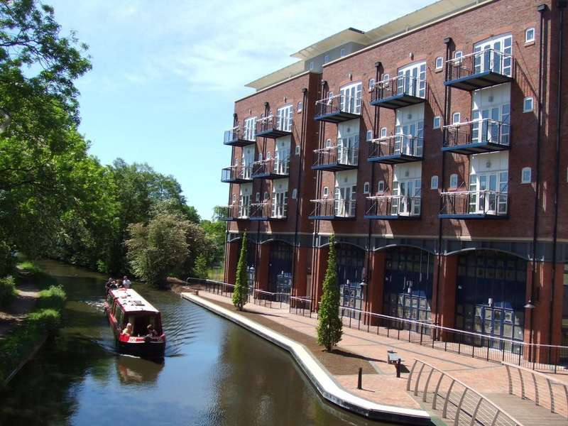 2 Bedrooms Apartment Flat for sale in Waterside Heights, Dickens Heath