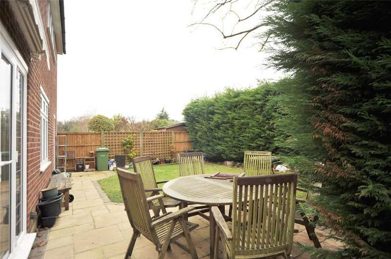 4 Bedrooms Detached House for sale in Thomas Close, Brentwood, Essex, CM15