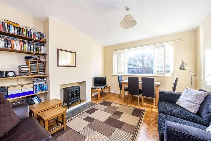 2 Bedrooms Apartment Flat for sale in Park Court, Balham Park Road, London, SW12