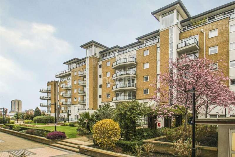 2 Bedrooms Flat for sale in Smugglers Way, London