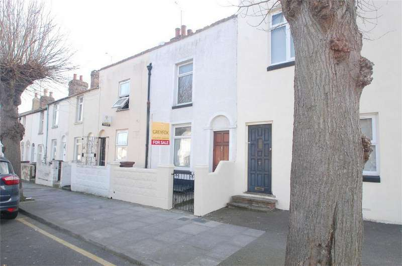 3 Bedrooms Terraced House for sale in Saunders Street, Gillingham, Kent