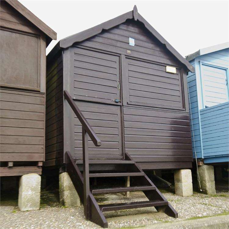 Detached House for sale in HIGH WALL, FRINTON ON SEA, ESSEX