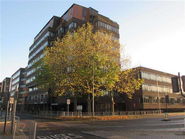 1 Bedroom Apartment Flat for sale in Bridge House, Swindon