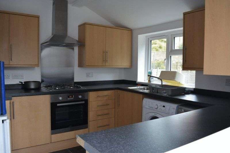 5 Bedrooms Terraced House for rent in Radnor Road, Bristol
