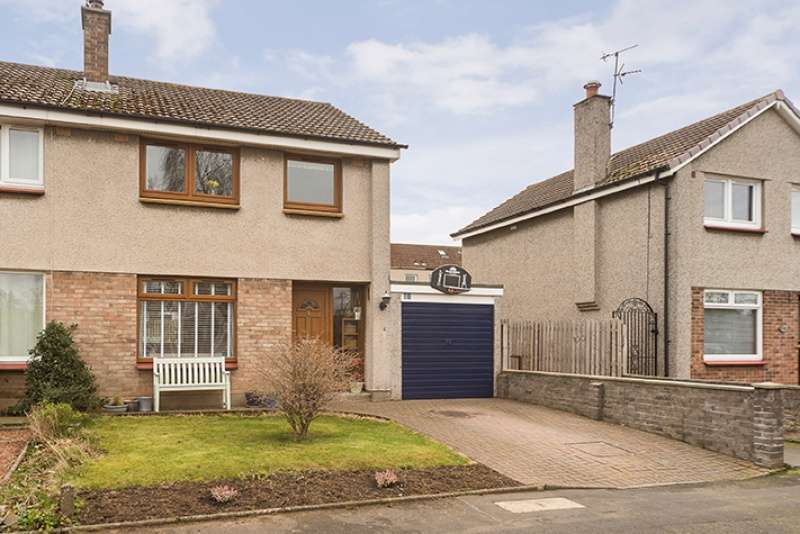 3 Bedrooms Semi Detached House for sale in Douglas Crescent, Longniddry, East Lothian, EH32 0LH