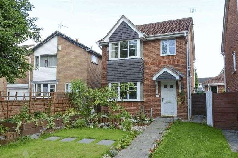 3 Bedrooms Detached House for sale in Merefield Close, Hindley, Wigan