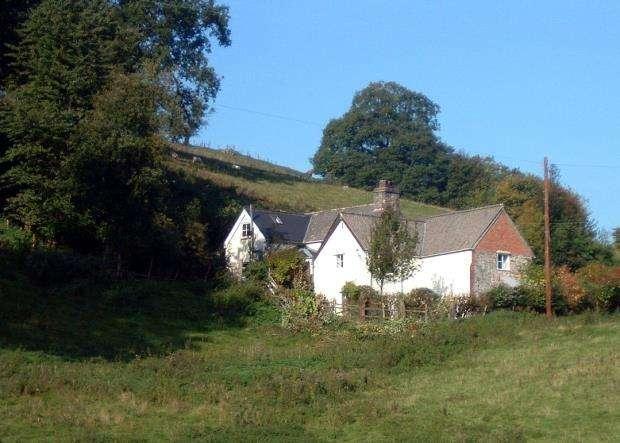 3 Bedrooms House for sale in Ty Lawr, Glyndyfrdwy, Corwen, Denbighshire