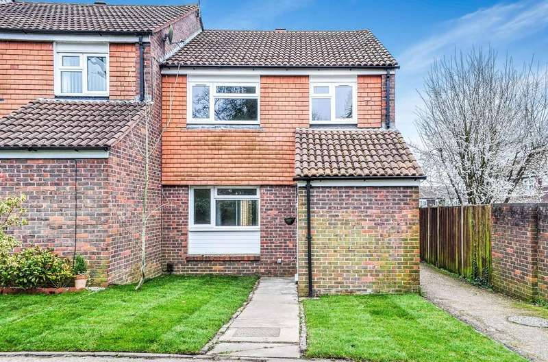 3 Bedrooms End Of Terrace House for sale in Yewlands Walk, Ifield West