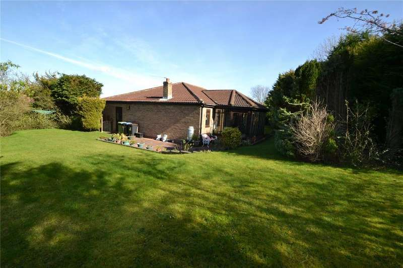 3 Bedrooms Detached Bungalow for sale in Kendal Close, Peterlee, Co Durham, SR8