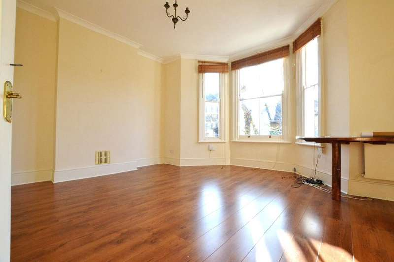 1 Bedroom Flat for sale in Whiteley Road London SE19