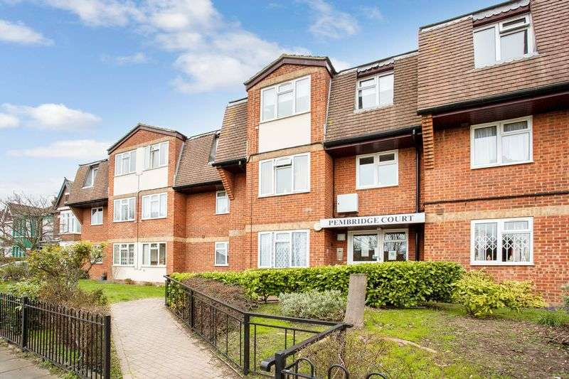 1 Bedroom Retirement Property for sale in Riviera Drive, Southend-On-Sea