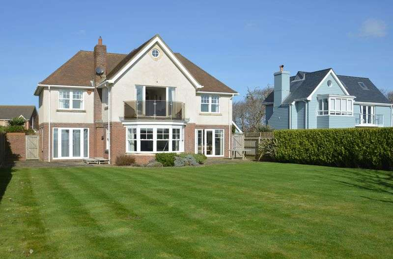 5 Bedrooms Detached House for sale in Milford on Sea