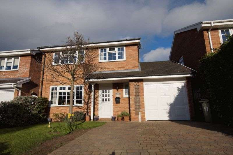 4 Bedrooms Detached House for sale in Hawthorn Road, Marford, Wrexham