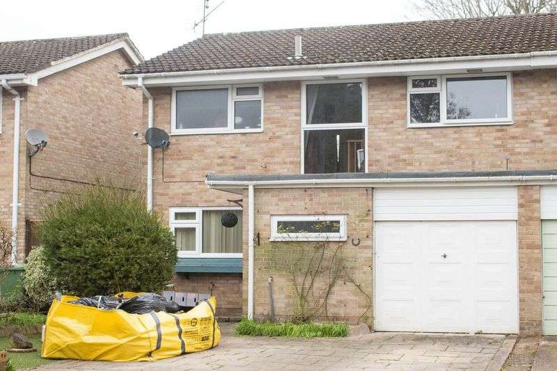 3 Bedrooms Semi Detached House for sale in Lordswood