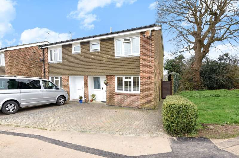 3 Bedrooms Semi Detached House for sale in Little Breach, Chichester, PO19