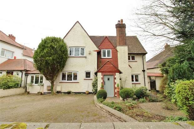 4 Bedrooms Detached House for sale in 56 Ridgeway, NEWPORT