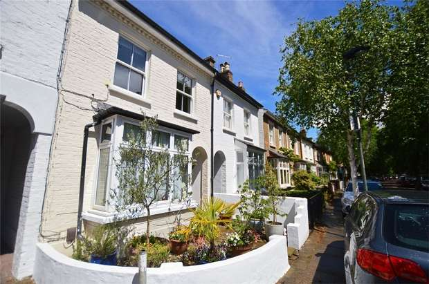 3 Bedrooms Terraced House for sale in South Western Road, St Margarets