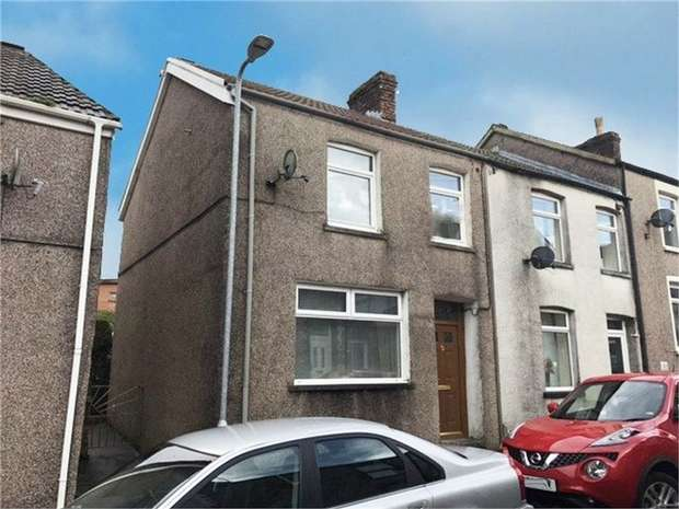 3 Bedrooms End Of Terrace House for sale in Oddfellows Street, Bridgend, Mid Glamorgan