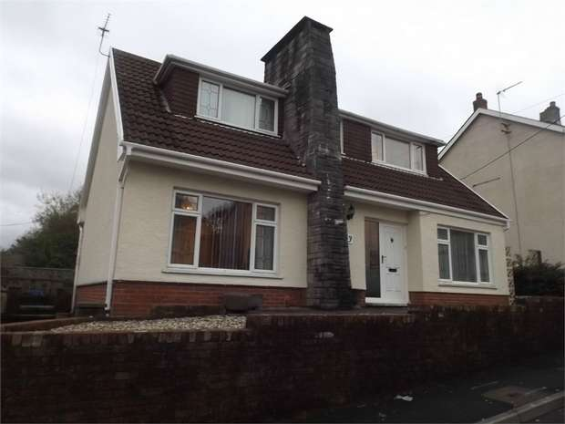 4 Bedrooms Detached House for sale in Coronation Road, Garnant, Ammanford, Carmarthenshire