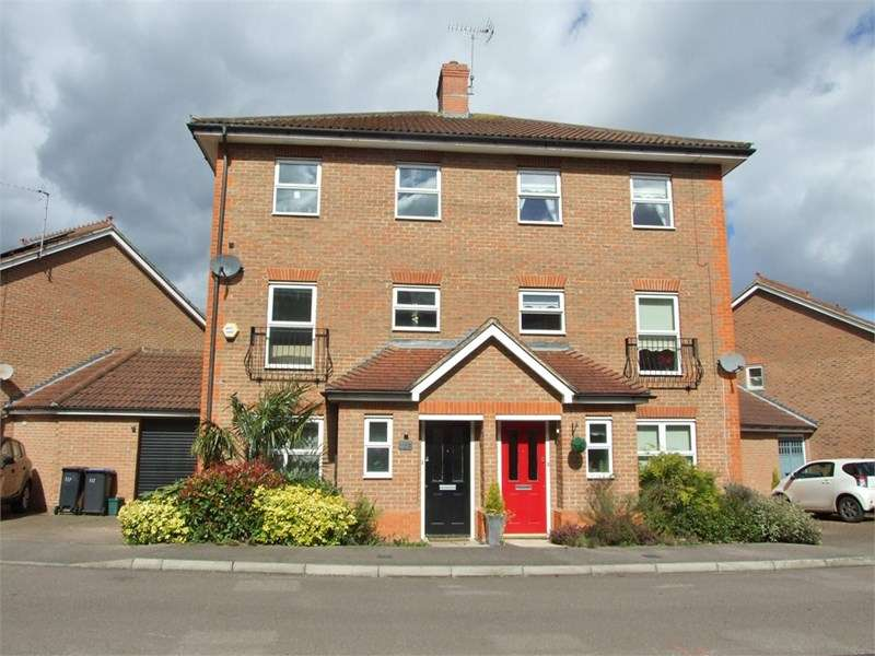 4 Bedrooms Semi Detached House for sale in Malkin Drive, Church Langley, Essex