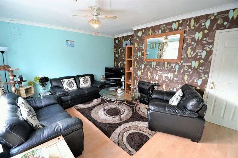 3 Bedrooms Terraced House for sale in Dunster Avenue, Swinton