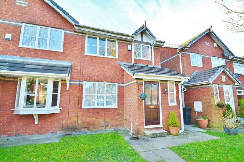 3 Bedrooms Semi Detached House for sale in Moorfield Road, Salford