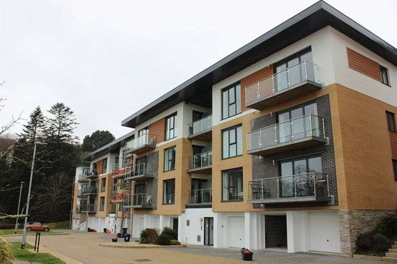2 Bedrooms Flat for sale in Rashleigh Road, St Austell