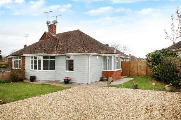 2 Bedrooms Semi Detached Bungalow for sale in Chaucer Avenue, Rustington, West Sussex, BN16