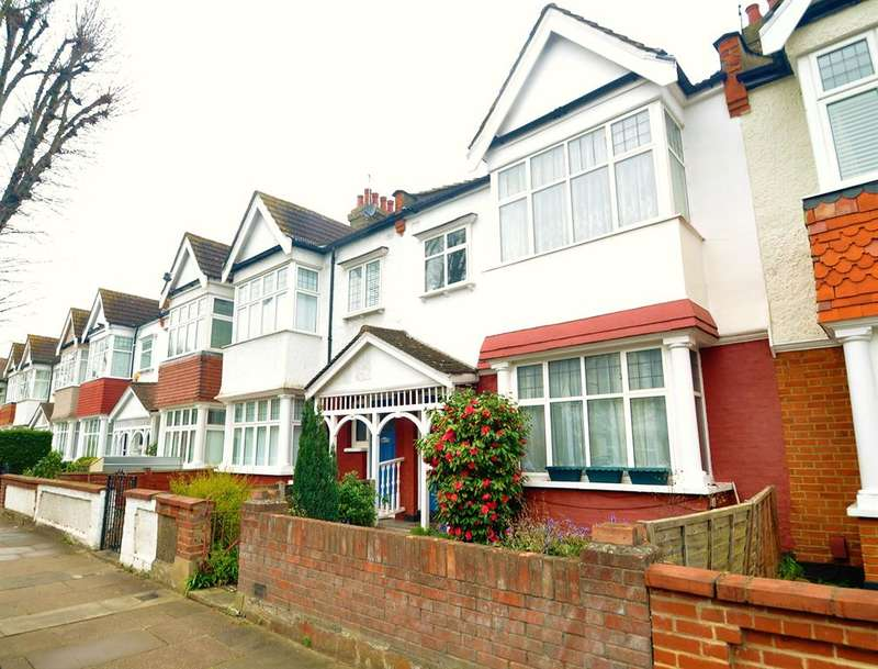 3 Bedrooms Terraced House for sale in Wyndham Road, Ealing, W13 9TE
