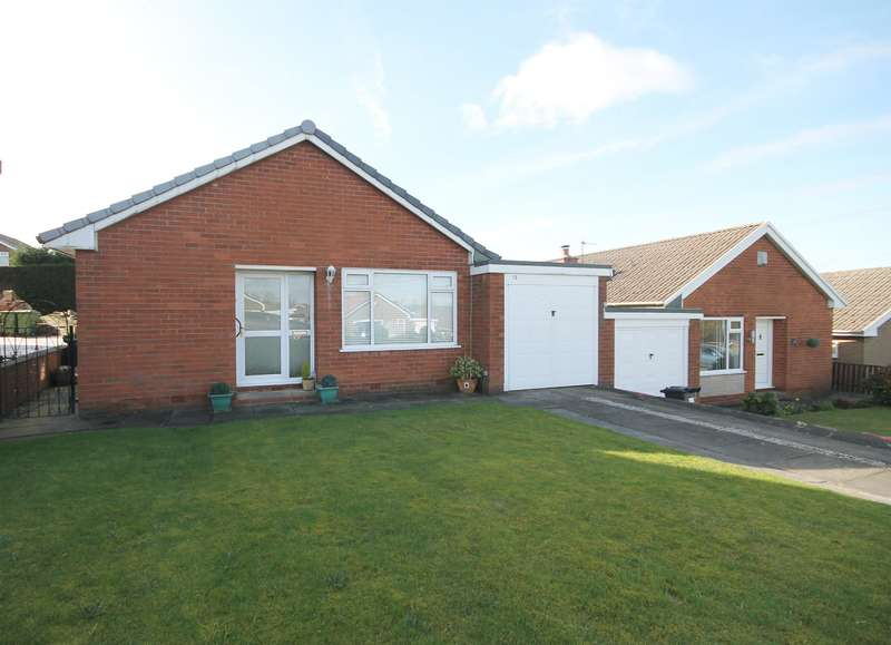 2 Bedrooms Detached Bungalow for sale in Glenshee Drive, Ladybridge, Bolton, BL3 4QG