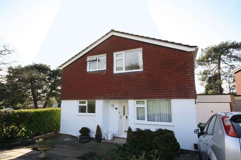 3 Bedrooms Detached House for sale in Rydal Close, Christchurch
