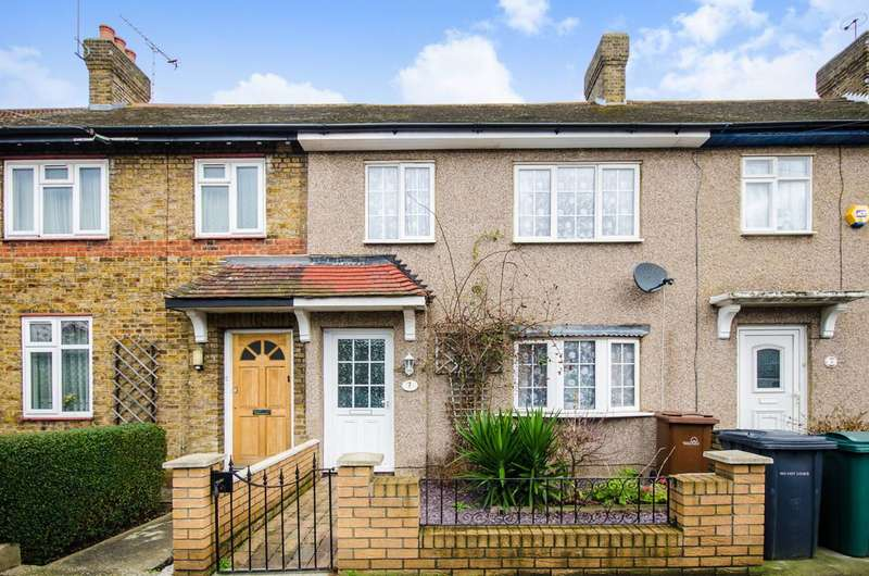 3 Bedrooms Terraced House for sale in Penrhyn Crescent, Lloyd Park, E17