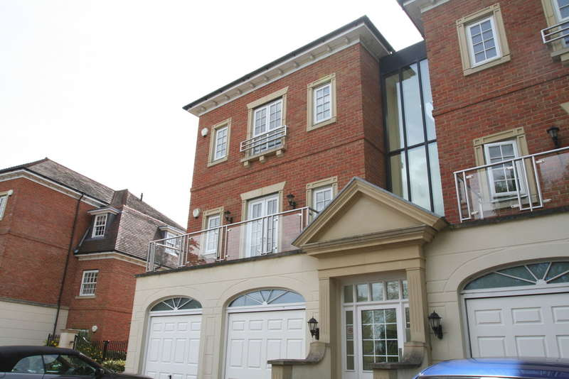 2 Bedrooms Apartment Flat for sale in Copperfields, Tunbridge Wells