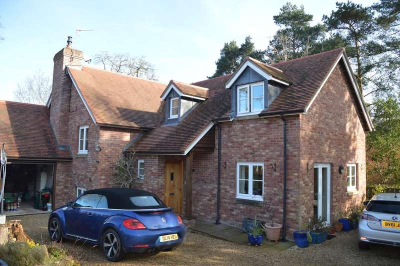 4 Bedrooms Detached House for sale in Sandford Lodge, Clive Avenue, Church Stretton SY6 7BS