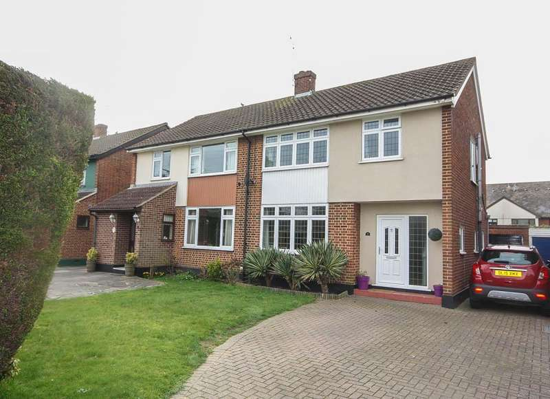 3 Bedrooms Semi Detached House for sale in Fairview, Billericay CM12