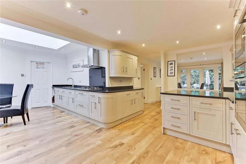 5 Bedrooms Detached House for sale in Gower Road, Weybridge, KT13