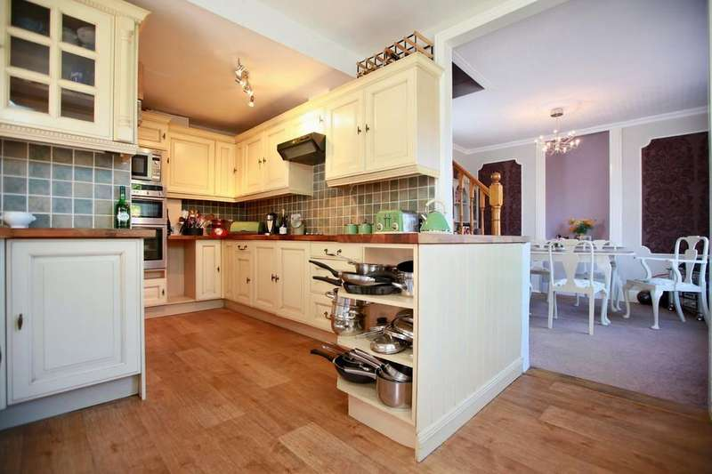 3 Bedrooms Chalet House for sale in Foxhall Road, Ipswich