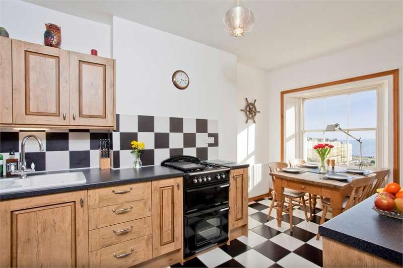 1 Bedroom Flat for sale in Brunswick Square, Hove, East Sussex