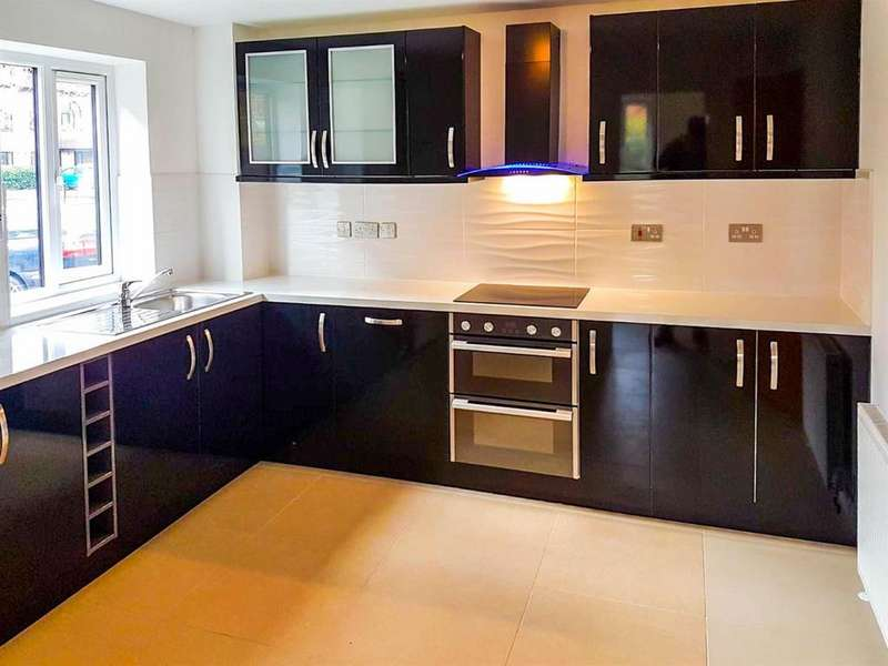 1 Bedroom Flat for sale in Sopwith Close, Kingston