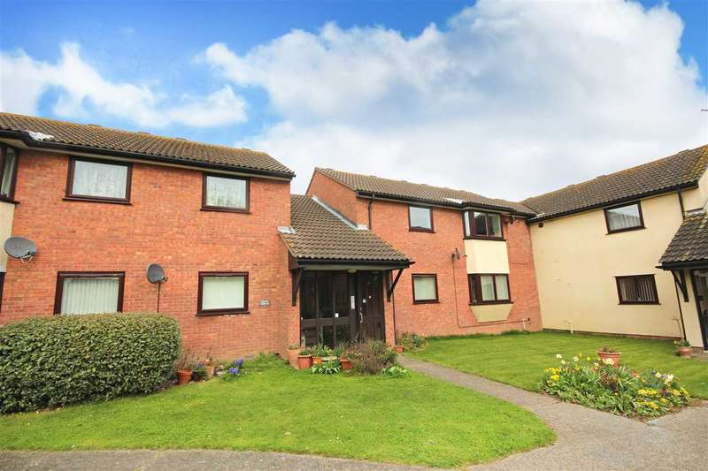 2 Bedrooms Apartment Flat for sale in Olivers Court, Clacton-On-Sea